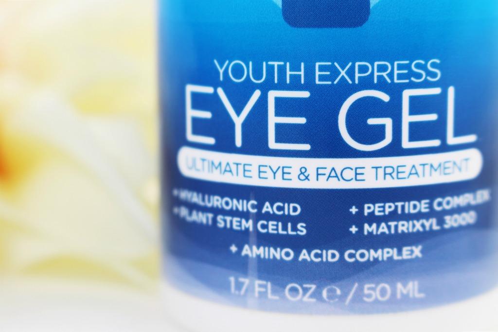 Ist eine Augencreme wichtig, Augencreme gegen Falten, Augencreme gegen Tränensäcke, Dermasence Eye Cream, InstaNatural Eye Gel, Super Skin Care Routine, Hautpflege Routine Blog, Anti-Aging Routine, Super Skin Care Reviews, Super Twins Annalena und Magdalena