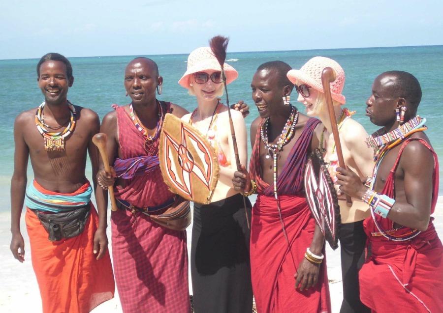 Super Twins Annalena und Magdalena, Diani Beach, Kenia