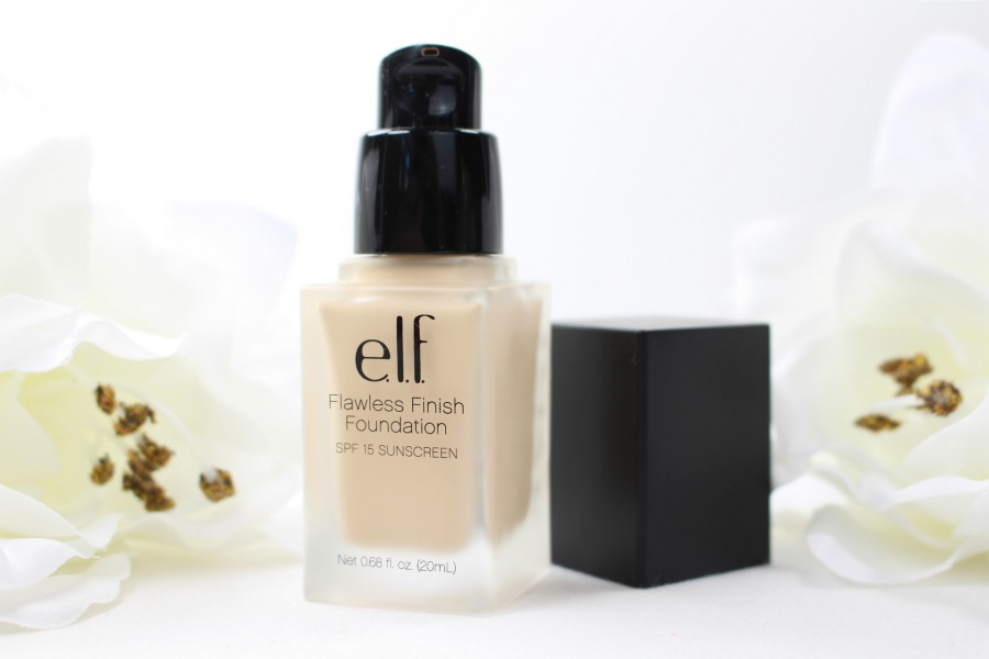 elf Studio Flawless Finish Foundation, elf Flawless Finish Foundation, elf Flawless Finish Foundation Review, elf Flawless Finish Foundation Porcelain Review, Foundation für helle ölige Haut, helle Foundation für Mischhaut, Foundation für helle Hauttypen, helle Foundation mit hoher Deckkraft, helles Make up mit starker Deckkraft, helles Make up ohne Gelbstich, Foundation ohne Gelbstich, Foundation mit Lichtschutzfaktor, Foundation mit LSF, Foundation mit SPF, Porzellanteint bekommen, Porzellanteint welches make up, Foundation für Porzellanteint, Beauty Blog ab 30, Super Twins Annalena und Magdalena