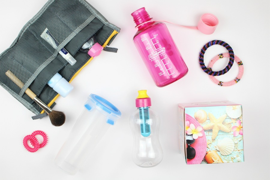 Reise Must Haves, Hautpflege im Urlaub, Nalgene Trinkflasche Everyday Test, Nalgene Trinkflasche Erfahrung, Water Bobble Trinkflasche Test, Water Bobble Filter Test, Emsa Trinkbecher Test, Beauty Blog Kosmetik, Kosmetik Aufbewahrung Test, Kosmetik Reisetasche, Reisetasche für Kosmetik, what's in my bag, Beauty Blog Super Twins, Beauty Blog Hautpflege, Beauty Blog helle Haut, Beauty Blog ab 30, Super Twins Annalena und Magdalena
