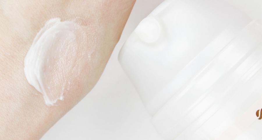 Diadermine Lift, Diadermine Lift Test, Diadermine Lift+ Hautperfektion 2in1 Nachtcreme + Serum, Diadermine Lift Hautperfektion 2in1 Nachtcreme + Serum, Diadermine Creme Inhaltsstoffe, Diadermine Creme Erfahrungen, Diadermine Creme Test, beste Creme gegen Falten, beste Creme gegen trockene Haut, was tun bei trockener Haut, Pflege im Winter Gesicht, welche Pflege ist im Winter besonders für fettige Haut geeignet, welche Pflege im Winter, Anti-Falten Creme für trockene Haut, gute Anti-Falten Creme Mischhaut, Anti-Aging Creme mit Hyaluronsäure, Anti-Aging Cream Matrixyl 3000, beste Anti-Aging Creme für Mischhaut, was tun bei Falten unter den Augen, Nachtcreme für trockene Haut, Nachtcreme für Mischhaut, Super Twins Annalena und Magdalena