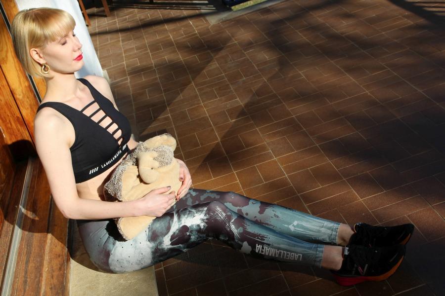 Beauty Haul Barcelona, Beauty Lieblinge, Hautpflege auf Reisen, Hautpflege im Sommerurlaub, welche Sonnencreme im Urlaub, Sonnencreme ohne Alkohol und Parfum, guter Selbstbräuner ohne Orangestich, gepflegte Haare bekommen, dünn aber trainiert, Hautpflege Beauty Blog, Super Twins Annalena und Magdalena