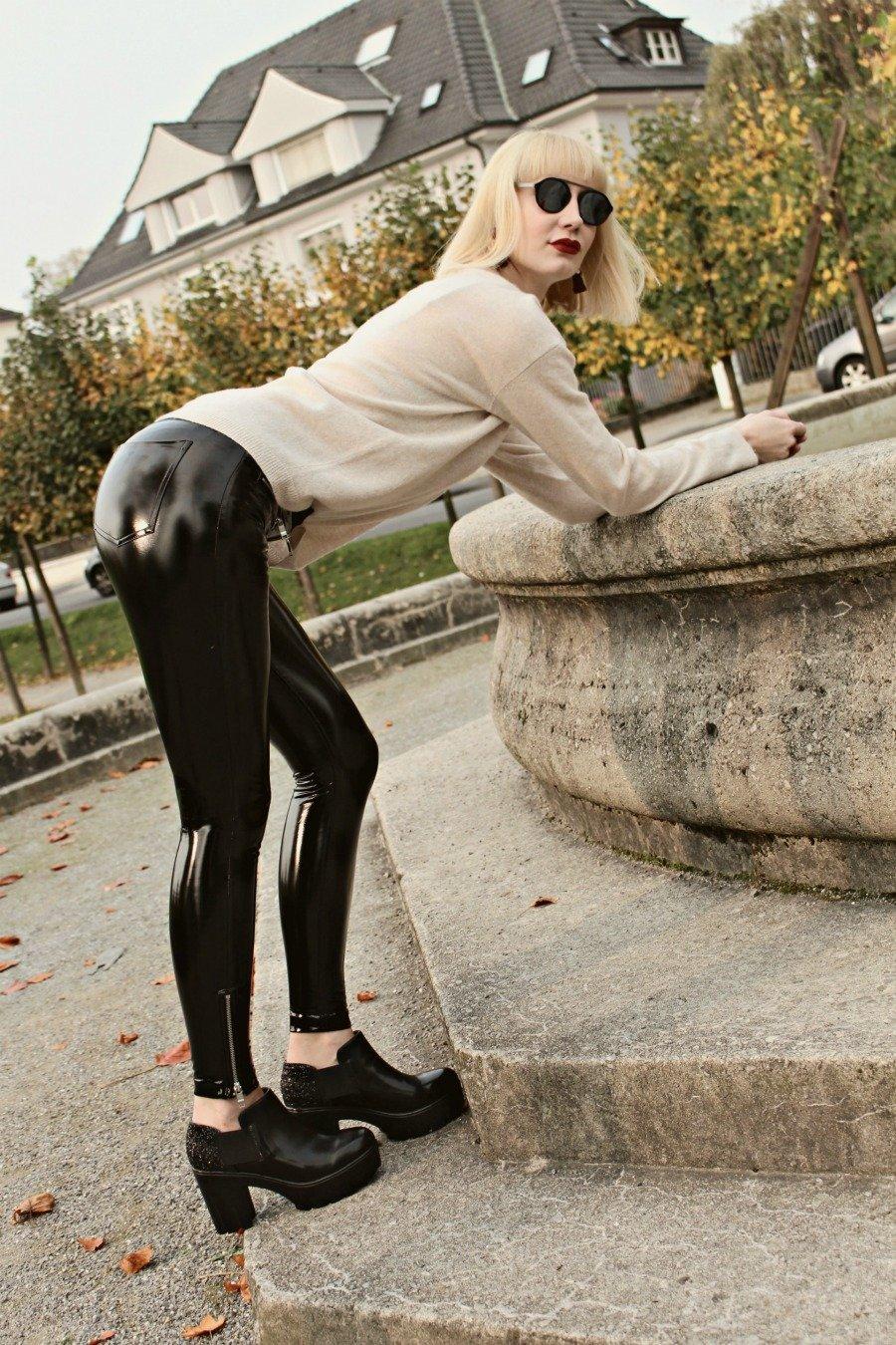 Lack Hose H&M, Lack Hose kombinieren, Lackhose mit Zip, Lackhose Schwarz, Lackhose Trend, Super Twins Annalena und Magdalena