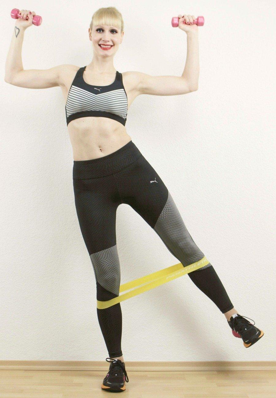 Anti-Aging durch Sport, warum Eiweiß wichtig ist, warum Proteine beim Muskelaufbau, Muskelaufbau für Frauen, Krafttraining für Frauen, Abnehmen durch Krafttraining, schlanker werden durch Krafttraining, schlank durch Kraftsport, Fett verbrennen durch Krafttraining, Krafttraining Fettabbau Frauen, Winkearme bekämpfen, schlaffe Haut loswerden, Cellulite bekämpfen, Cellulite loswerden, Körper straffen und festigen, schneller Fett verbrennen Tipps, Super Twins Annalena und Magdalena