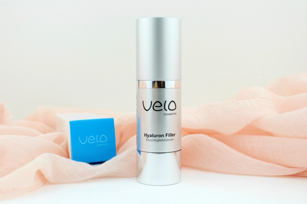 Velo Cosmetics Hyaluron Filler Feuchtigkeitsserum, Velo Cosmetics Hyaluron Filler Test, Hyaluron Booster Test, Hyaluron Serum klebt, Hyaluron Serum Microneedling, Hyaluronsäure Serum Super Twins, Velo Cosmetics Super Twins, Super Twins Annalena und Magdalena