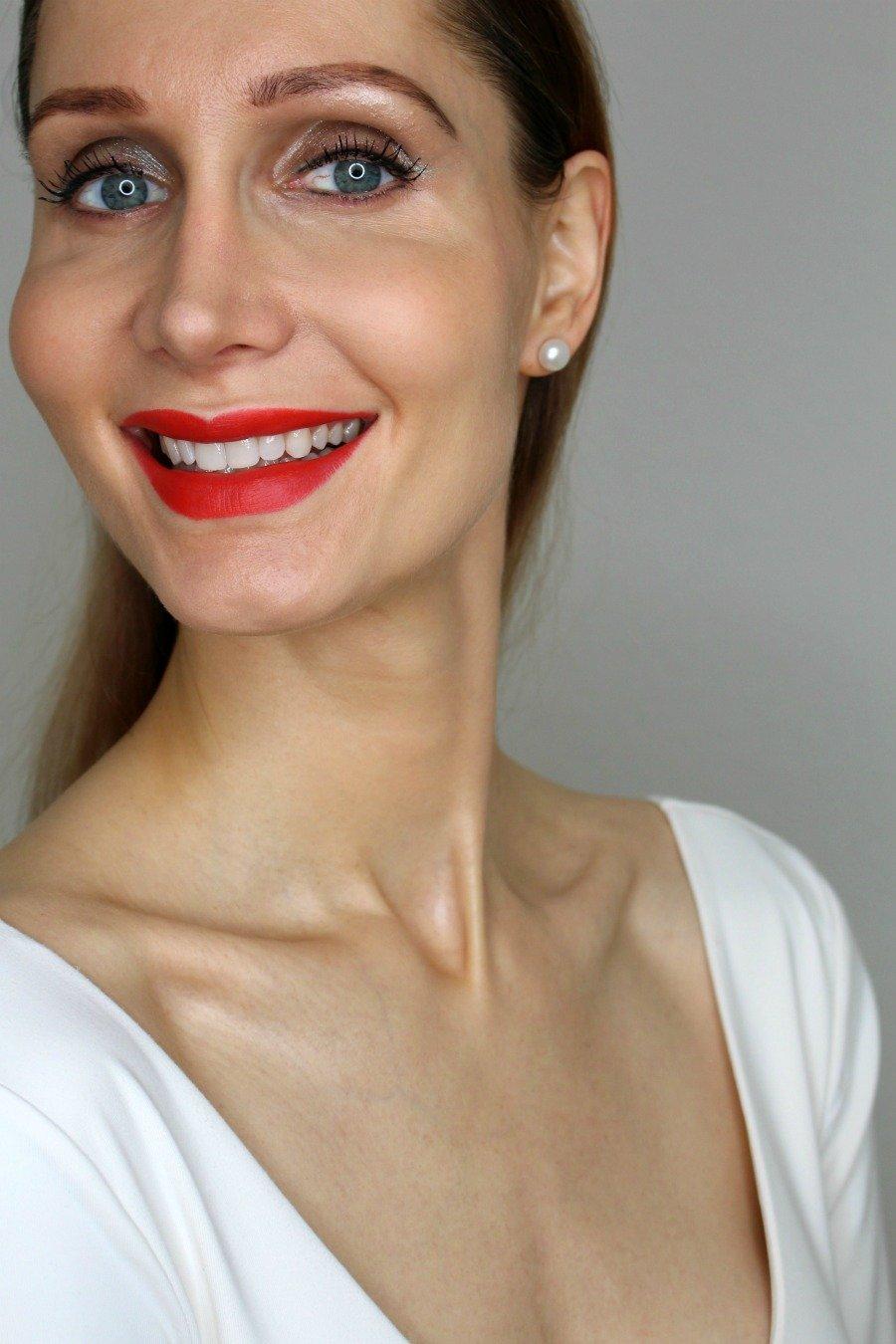 Zahnpflege Tipps, natürlich weiße Zähne bekommen, weiße Zähne ohne Bleaching, richtig Zähne putzen für weiße Zähne, Schallzahnbürste Philips Sonicare Flexcare Platinum, welche Aufsteckbürste für Sonicare, Philips Sonicare Premium Plaque Defence, warum ist Zahnseide so wichtig, welche Zahnseide ist die beste, Elmex Gelee nach dem Zähneputzen, Elmex Intensivreinigung Anwendung, Mundhöhlen Antiseptikum, Chlorhexamed Forte, Super Twins Zahnpflege, Super Twins Annalena und Magdalena