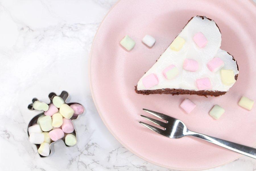 Schoko Rüblikuchen, saftiger Möhrenkuchen mit Schokolade, Low Carb Karottenkuchen, Möhren Schoko Kuchen ohne Zucker, Super Twins Annalena und Magdalena