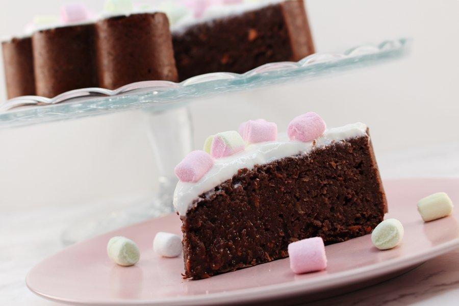Schoko Rüblikuchen, saftiger Karottenkuchen mit Schokolade, Low Carb Karottenkuchen, Karotten Schoko Kuchen ohne Zucker, Super Twins Annalena und Magdalena